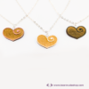 Kép 2/6 - Gravírozott nyírfa szívecske nyaklánc, több színben