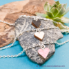 Kép 1/6 - Mini nyírfa szív karkötő, több színben