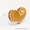 Kép 4/5 - Gravírozott nyírfa szívecske gyűrű, több színben
