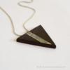 Kép 1/6 - Ében háromszög nyaklánc