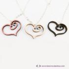 Rajzolt szívecske nyaklánc, több színben