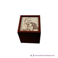 Egyedi fotó gravírozott fa doboz, négyzet alapú 10x10, több színben