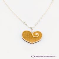 Gravírozott nyírfa szívecske nyaklánc