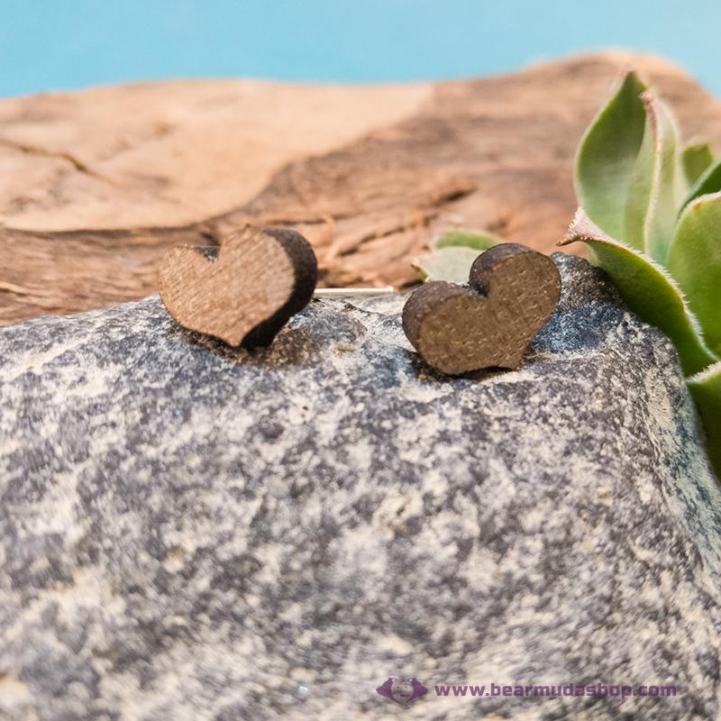 Mini diófa szív gomb fülbevaló