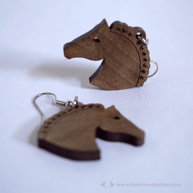 Gyöngysörényes ló fülbevaló