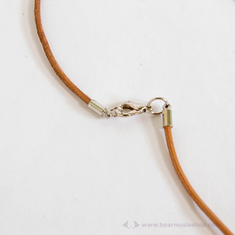 Szögletes szilvafa nyaklánc kapocs